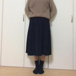 アーヴェヴェ(a.v.v)のa.v.v standard プリーツスカート 未使用(ひざ丈スカート)