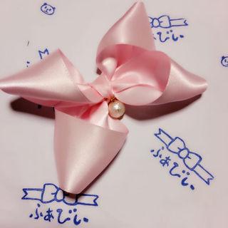 薄ピンク お花型 大 リボン × コットンパール バレッタ ヘアゴム クリップ(その他)