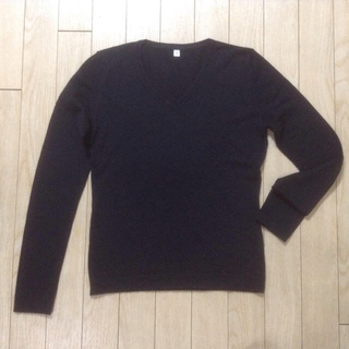 ムジルシリョウヒン(MUJI (無印良品))のカシミア混★無印の黒Vネックセーター(ニット/セーター)