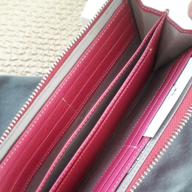f0503de9d8c6 PELLE BORSA(ペレボルサ)のペレボルサ アンミカコラボ シュリンクレザー 長財布 財布 レディースの