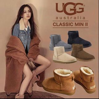 UGG CLASSIC MINI II ブーム 未使用、新品(ブーツ)