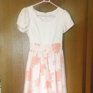 レストローズ(L'EST ROSE)のレストローズ パーティドレス (ピンク) 袖付き卒業パーティに♪(ひざ丈ワンピース)