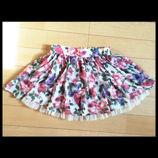 アベイル(Avail)の華やか♡花柄スカート(ミニスカート)