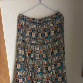 サンカンシオン(3can4on)のチェックのスカート(ロングスカート)