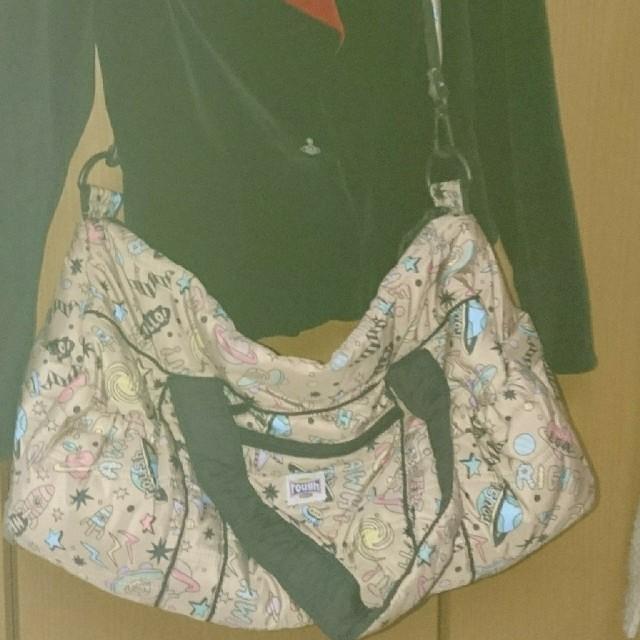 rough(ラフ)のrough ふわふわボストンバック レディースのバッグ(ショルダーバッグ)の商品写真