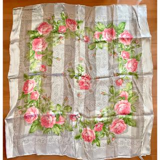 ヴァレンティノガラヴァーニ(valentino garavani)のvalentino garavani♡約80×80大判スカーフ♡新品未使用(バンダナ/スカーフ)