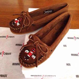 ミネトンカ(Minnetonka)の新品ミネトンカ85サンダーバードモカシン(ローファー/革靴)