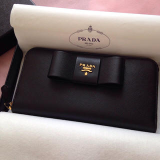 プラダ(PRADA)のPRADA 大人かわいいSAFFIANOリボン付長財布(財布)