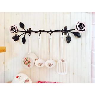 アイアン薔薇のキッチンツール4連フック/鉄製壁掛けウォールハンガーアンティーク調(その他)