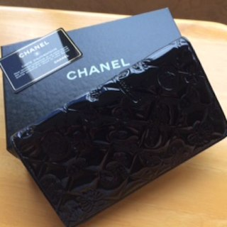 076071be2f5b 値下げ シャネル 長財布 ブリリアント パテントレザー ピンク. ¥17,500. シャネル(CHANEL)の値下げしました‼︎CHANEL 美品 アイコン  二つ折り長