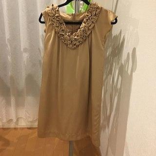 グリーンレーベルリラクシング(green label relaxing)のゴールド ワンピースドレス(その他ドレス)