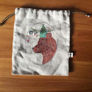アッシュペーフランス(H.P.FRANCE)のcoral&tusk  クマ 刺繍巾着(ポーチ)