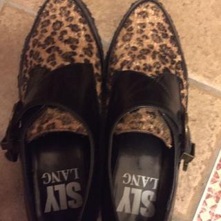 スライ(SLY)の再値下げ!SLY ヒョウ柄厚底靴 Sサイズ(ローファー/革靴)