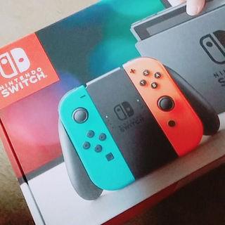 【緊急値下げ!】 Nintendo Switch ネオンブルー/ ネオンレッド(家庭用ゲーム本体)