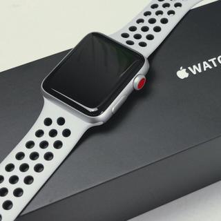 アップルウォッチ(Apple Watch)のApple Watch 3 Nike➕ GPS celluiar 中古美品(スマートフォン本体)