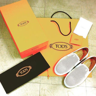 トッズ(TOD'S)のTOD'S ホワイト レザー スリッポン safari掲載商品(スニーカー)