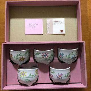 ニッコー(NIKKO)のシビラ 5色のぬくもり小鉢セット コスモス柄(おまけ付)(グラス/カップ)