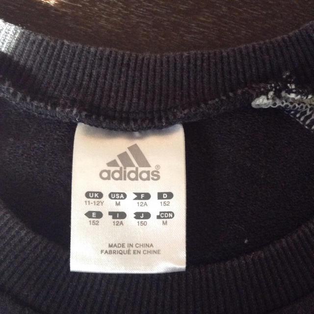adidas(アディダス)のアディダストレーナー 150 キッズ/ベビー/マタニティのキッズ服 男の子用(90cm~)(Tシャツ/カットソー)の商品写真