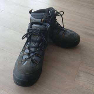 トレクスタ(Treksta)の定価8000円 TrekStaトレクスタ エボリューションGTX 登山靴(登山用品)
