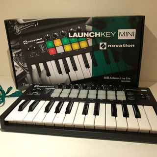 Novation Launchkey Mini MK2 (MIDIコントローラー)