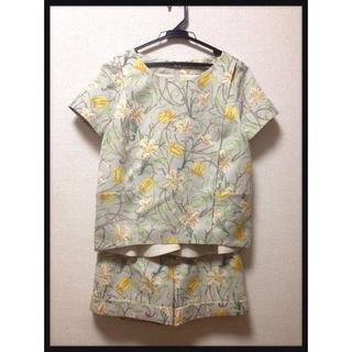 グレースコンチネンタル(GRACE CONTINENTAL)のアールヌーボーフラワーセットアップ(Tシャツ(半袖/袖なし))