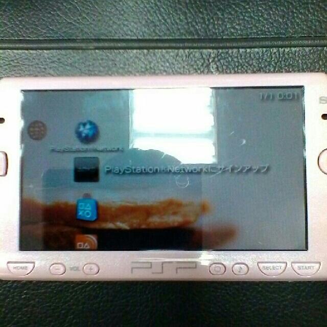 PlayStation Portable(プレイステーションポータブル)のpsp2000 エンタメ/ホビーのテレビゲーム(携帯用ゲーム本体)の商品写真