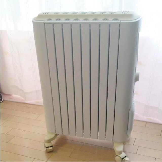 DeLonghi(デロンギ)のデロンギ ベルカルド オイルヒーター  RHJ75V0815-CR スマホ/家電/カメラの冷暖房/空調(オイルヒーター)の商品写真