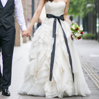 ヴェラウォン(Vera Wang)の【つばんさ様専用】ウェディングドレス verawang diana US4(ウェディングドレス)