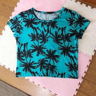 スピンズ(SPINNS)のスピンズ ハワイアン柄Tシャツ(その他)
