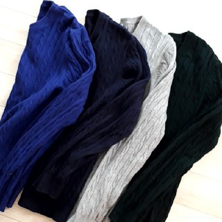 ユニクロ(UNIQLO)の⚫UNIQLO⚫大人気!ケーブルクルーネックセーター(ニット/セーター)