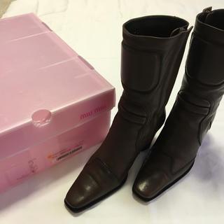 ミュウミュウ(miumiu)のmiumiu ミュウミュウ ショートブーツ 新品(ブーツ)
