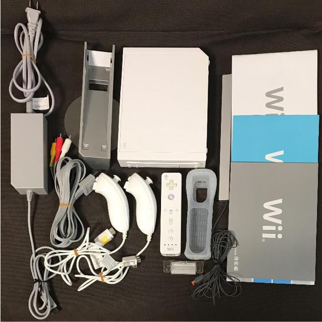 Wii(ウィー)の任天堂 wii 本体 ホワイト エンタメ/ホビーのテレビゲーム(家庭用ゲーム本体)の商品写真