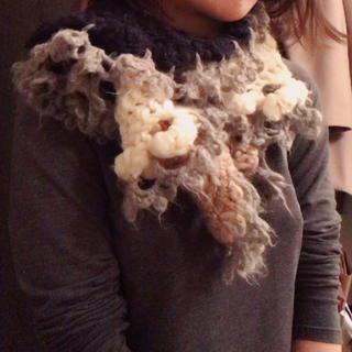 ナンバージュウイチ 手編みマフラー