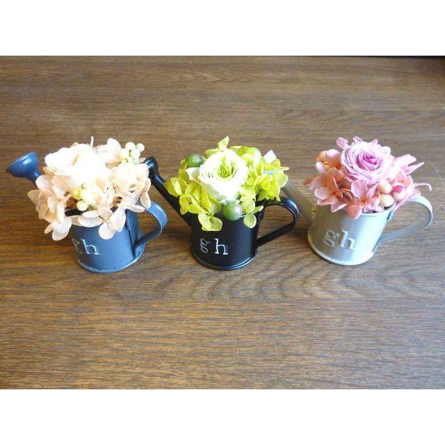 【ホワイトデー♡プチギフトに】ジョーロのミニプリザーブドフラワー ハンドメイドのフラワー/ガーデン(プリザーブドフラワー)の商品写真