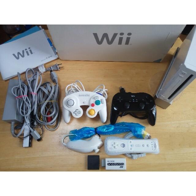 Wii(ウィー)のwii本体でゲームキューブも遊べるセット エンタメ/ホビーのテレビゲーム(家庭用ゲーム本体)の商品写真
