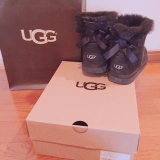 アグ(UGG)のUGG銀座店購入 UGGキッズ MINI 12 18cm 18.5cm 美品(ブーツ)
