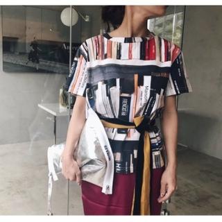 アメリヴィンテージ(Ameri VINTAGE)の【新品】AMERI / MANY BOOKS TEE(Tシャツ(半袖/袖なし))
