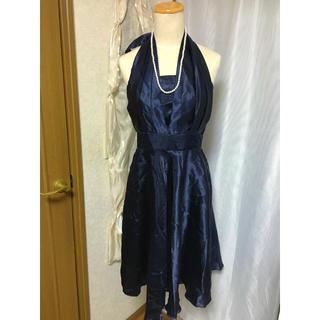 *ホルターネックドレス 膝丈 美品(ミディアムドレス)
