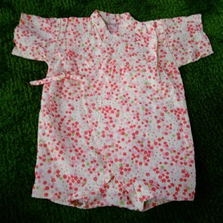 f22151b45f23c ニシマツヤ(西松屋)の甚平ロンパース 女の子 花柄 80サイズ(甚平 浴衣