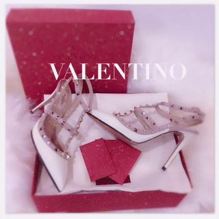 ヴァレンティノ(VALENTINO)のVALENTINO ロックスタッズストラップパンプス💋(ハイヒール/パンプス)