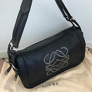 ロエベ(LOEWE)の美品 ロエベ  LOEWE スタッズ  ショルダーバッグ ハンドバッグ(ショルダーバッグ)