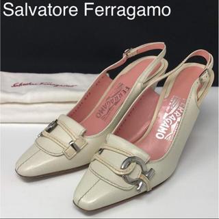 サルヴァトーレフェラガモ(Salvatore Ferragamo)の正規品 フェラガモ ガンチーニ バックストラップ レザー パンプス(ハイヒール/パンプス)