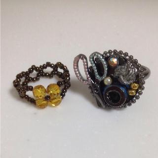 糸巻きリング(ブルー系)とお花のビーズリング2点セット(リング(指輪))
