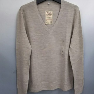 ムジルシリョウヒン(MUJI (無印良品))の新品 無印良品 ウールシルクVネックセーター・オートミール・L(ニット/セーター)