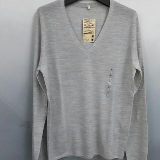 ムジルシリョウヒン(MUJI (無印良品))の新品 無印良品 ウールシルクVネックセーター・ライトグレー・L(ニット/セーター)