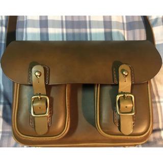 ヘルツ(HERZ)のHERZ 2ポケット・ハードショルダーバッグ(ショルダーバッグ)