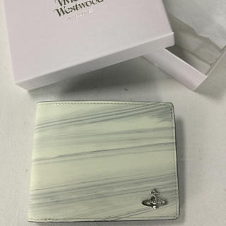 ヴィヴィアンウエストウッド(Vivienne Westwood)の★新品★ 二つ折り財布 白 ホワイト グレー ヴィヴィアン(財布)
