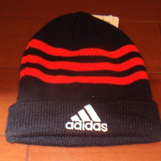 アディダス(adidas)の新品 アディダス ニット帽 オレンジライン 54~57cm(帽子)