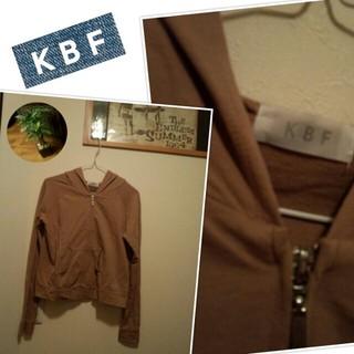 ケービーエフ(KBF)のKBFパーカー(パーカー)