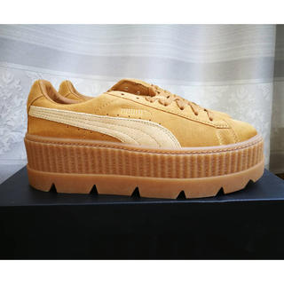 プーマ(PUMA)の❄︎25.5cm❄︎FENTY Cleated Creeper Beige (スニーカー)